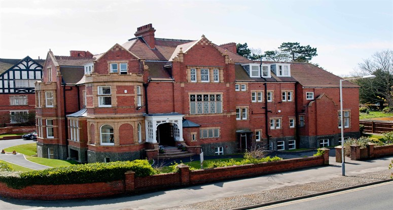 Earlscliff summer school İngiltere'de yaz kampı