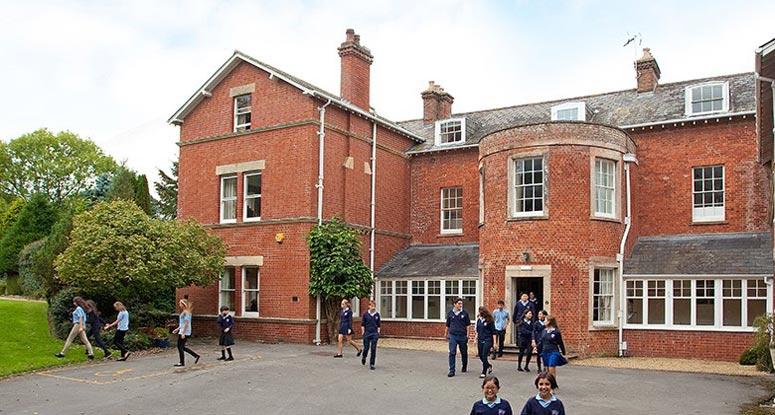 Bishopstrow College İngiltere'de lise eğitimi