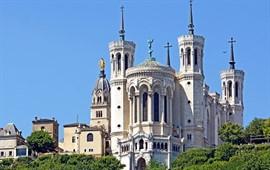 Lyon  dil okullarını görüntülemek için tıklayın.