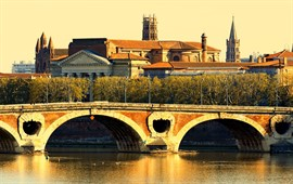 Toulouse  dil okullarını görüntülemek için tıklayın.