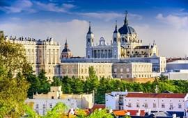 Madrid  dil okullarını görüntülemek için tıklayın.