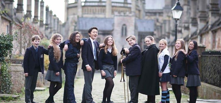 wells cathedral school'da lise eğitimi