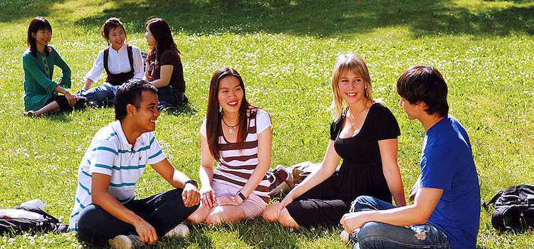 Sprachcaffe Languages Plus Amerika dil okulu