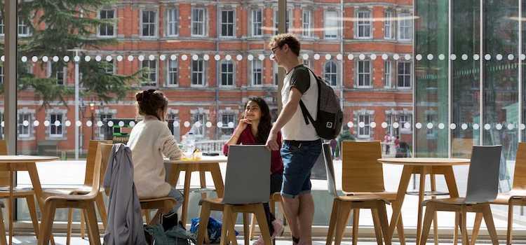 Royal Holloway University of London ingiltere üniversite