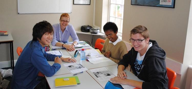 CES - Centre of English Studies londra