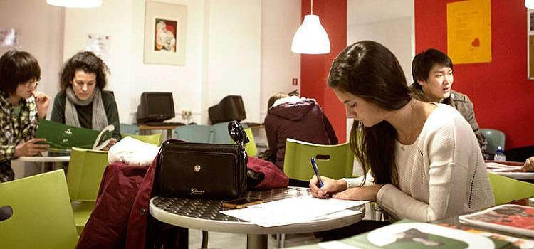 sprachcaffe ispanya barcelona yaz okulu