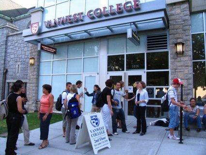 VanWest-College-kanada-yurtdisi-dil-okullari-3.jpg