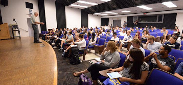 University Of California Amerika dil okulu