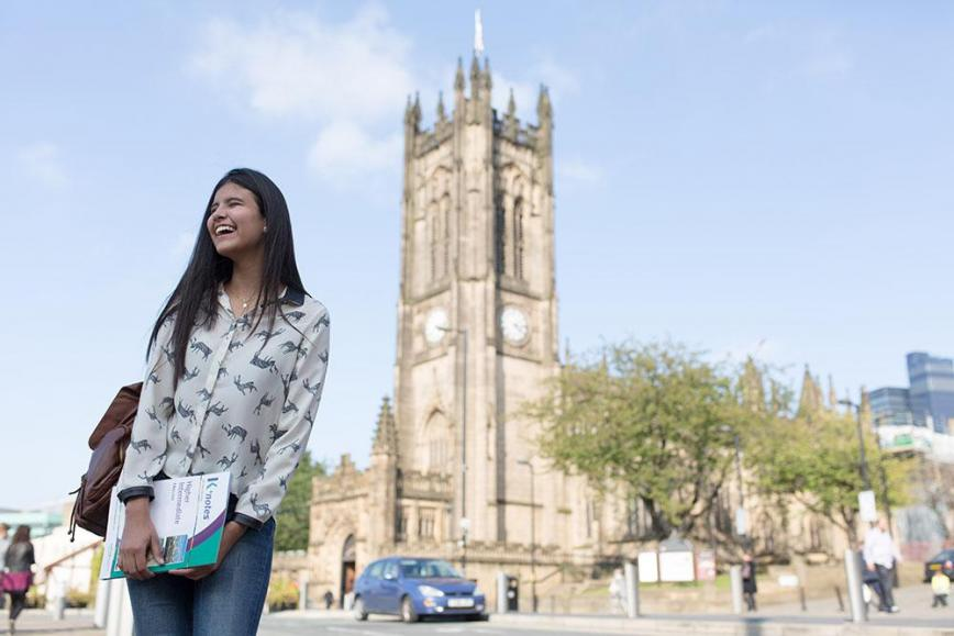 Kaplan-Student-Manchester-ingiltere-dil-okulu-2.jpg