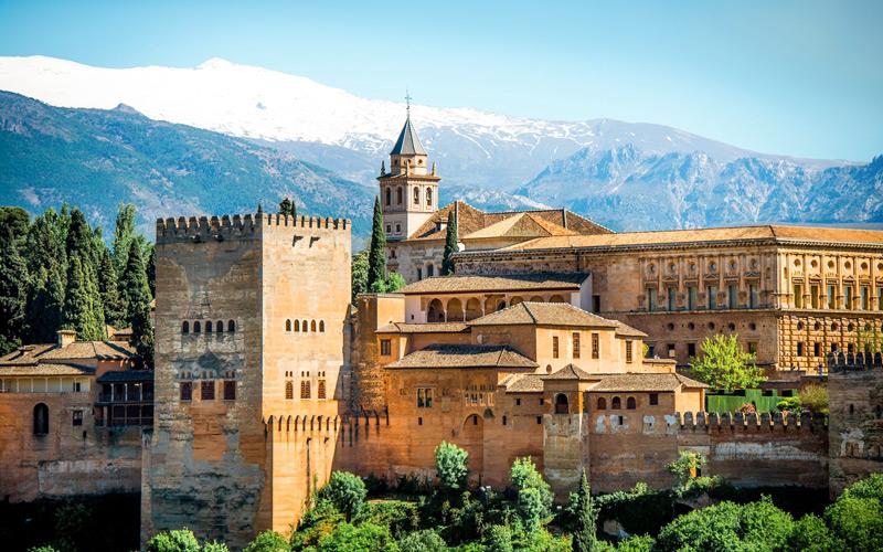Granada-Ispanya-yurtdisi-egitim-okulu-enforex-6.jpg