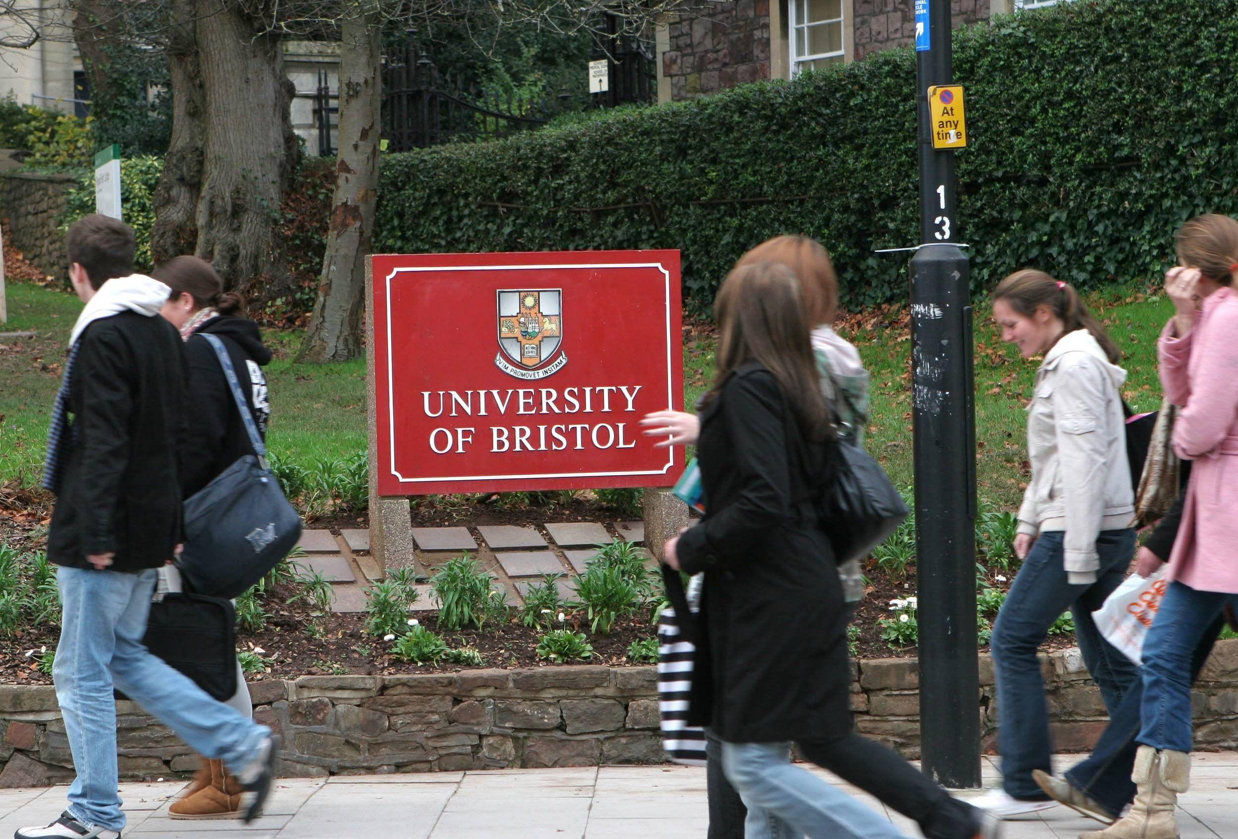 university-of-bristol-ingiltere-bristol-egitim-okul-6.jpg