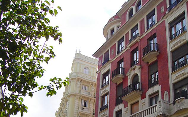 Sprachcaffe-Languages-Plus-Madrid-ispanya-dil-okulu-1.png