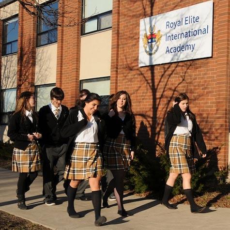 royal-elite-international-academy-kanada-lise-egitimi-programi-okulu-6.jpg
