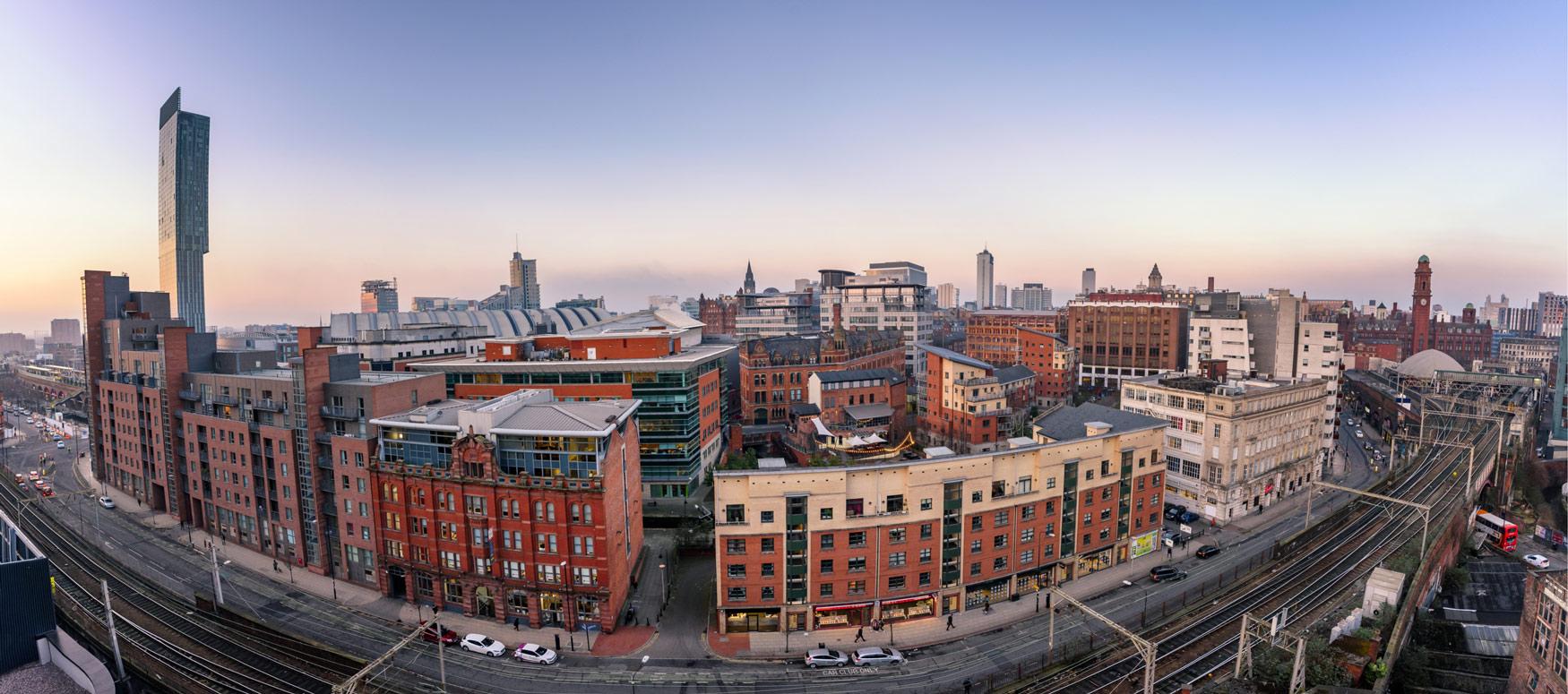 Manchester-ingiltere-dil-okulu-1.jpg