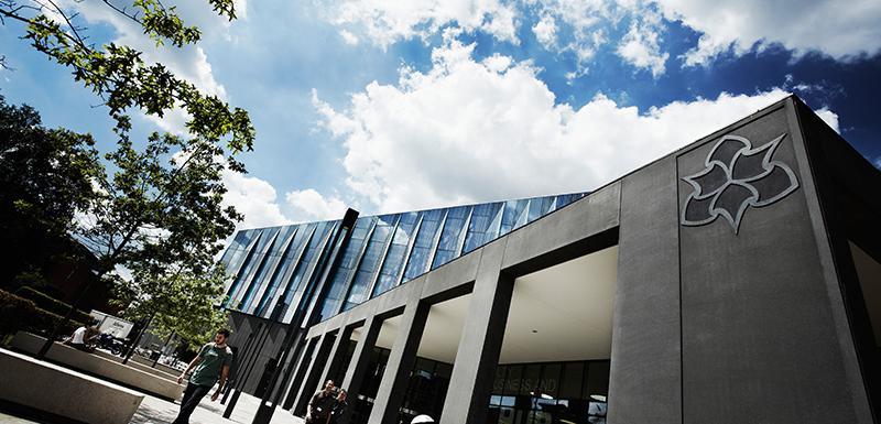 ingilterede-lisans-egitimi-manchester-metropolitan-university-2.jpg