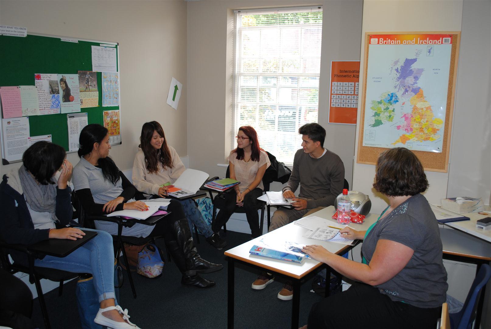 CES-londra-ingiltere-ingilizce-dil-okulu-ingiltere-egitimi-4.JPG