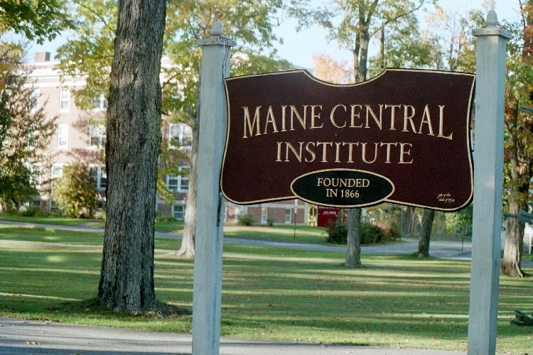maine-central-institute-school-amerika-lise-okulu-3.jpg