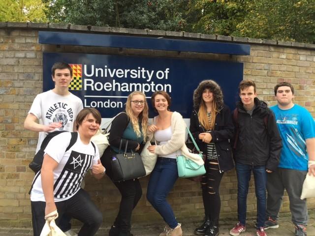 University-of-Roehampton-ingiltere-lisans-egitimi-5.jpg
