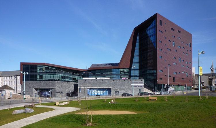 plymouth-university-ingiltere-1.jpg